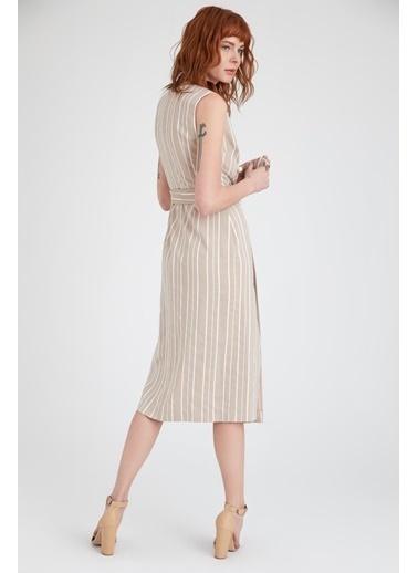 V Yaka Çizgili Yırtmaçlı Elbise-Setre